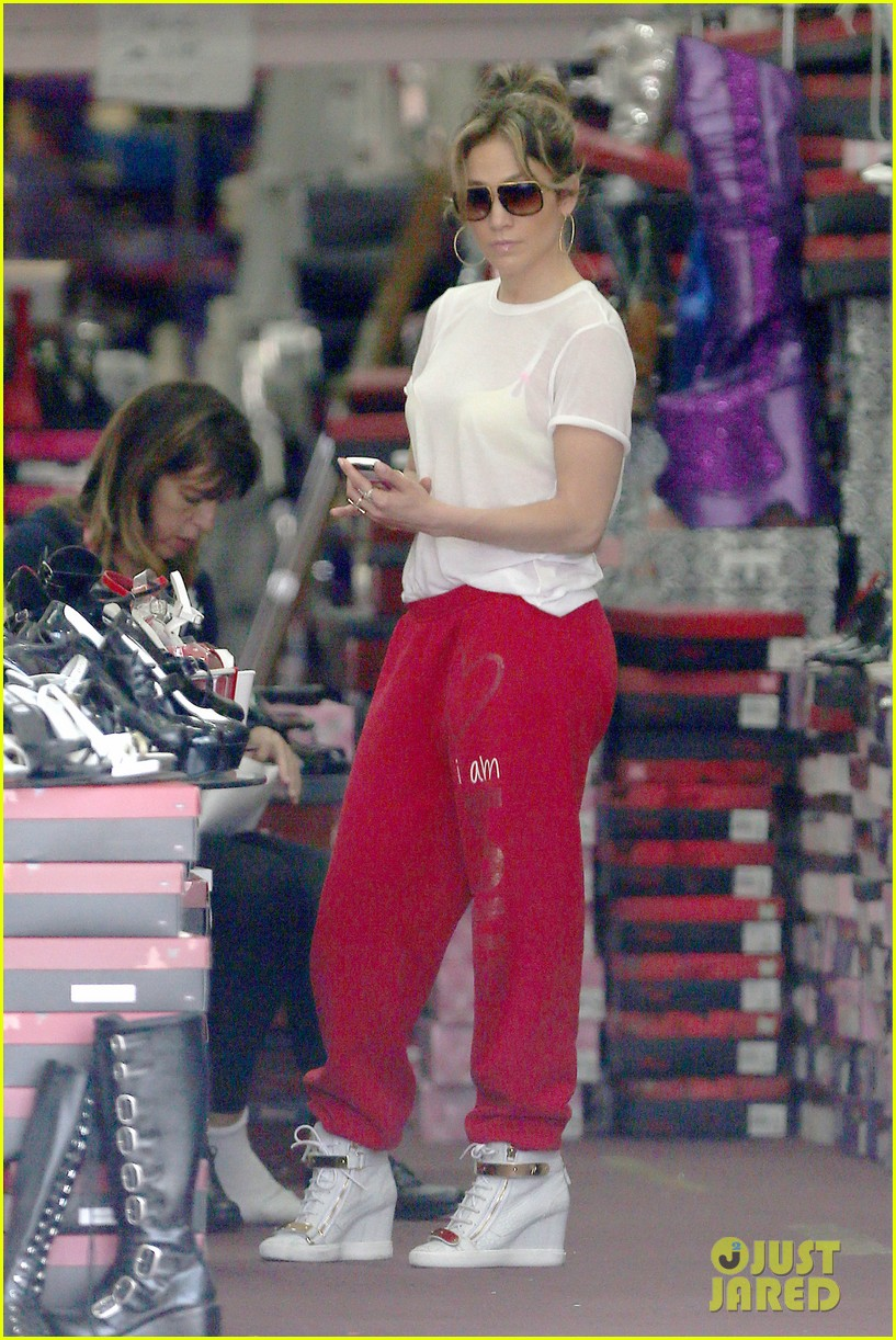 jennifer lopez wears cut out shirt while shopping 13