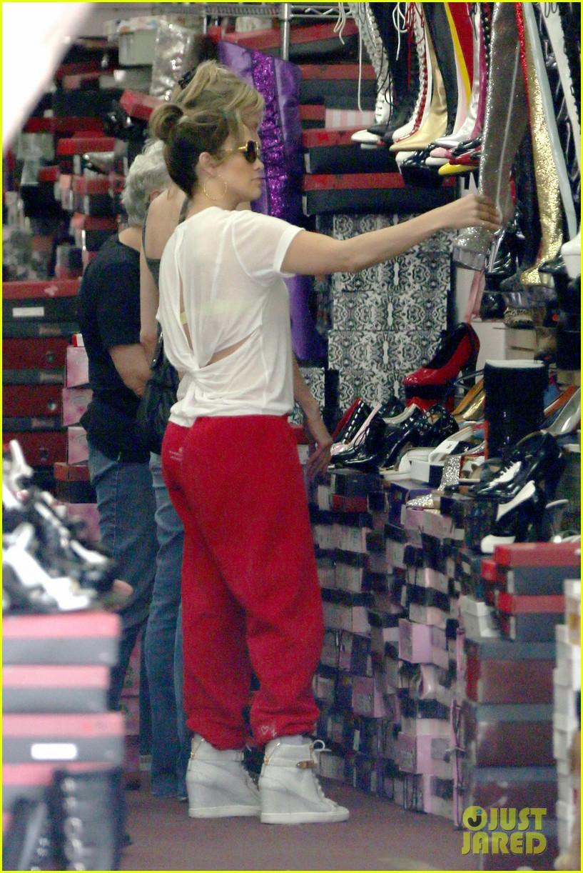 jennifer lopez wears cut out shirt while shopping 252887911
