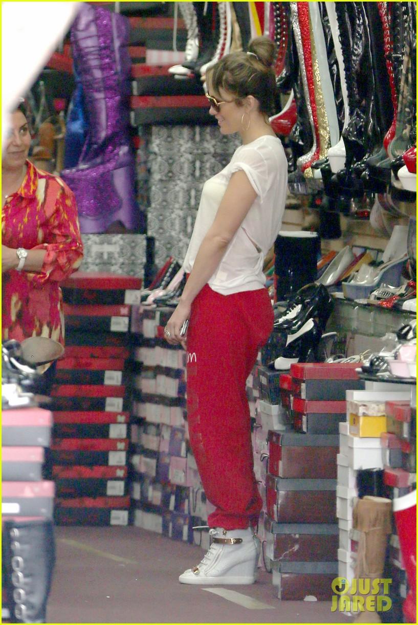 jennifer lopez wears cut out shirt while shopping 262887912