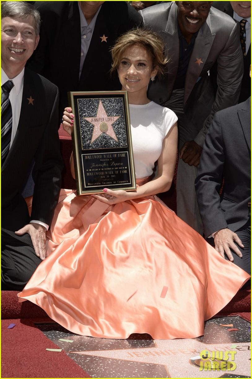 jennifer lopez receives star on hollywood walk of fame 022895185