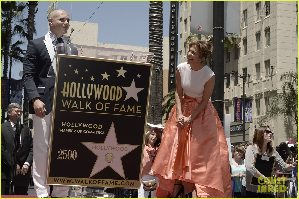 jennifer lopez receives star on hollywood walk of fame 122895195
