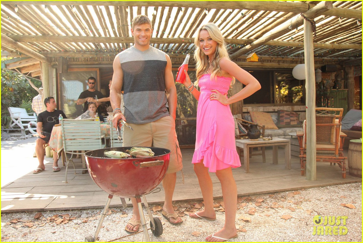 shirtless kellan lutz op summer 2013 images with katrina bowden 06