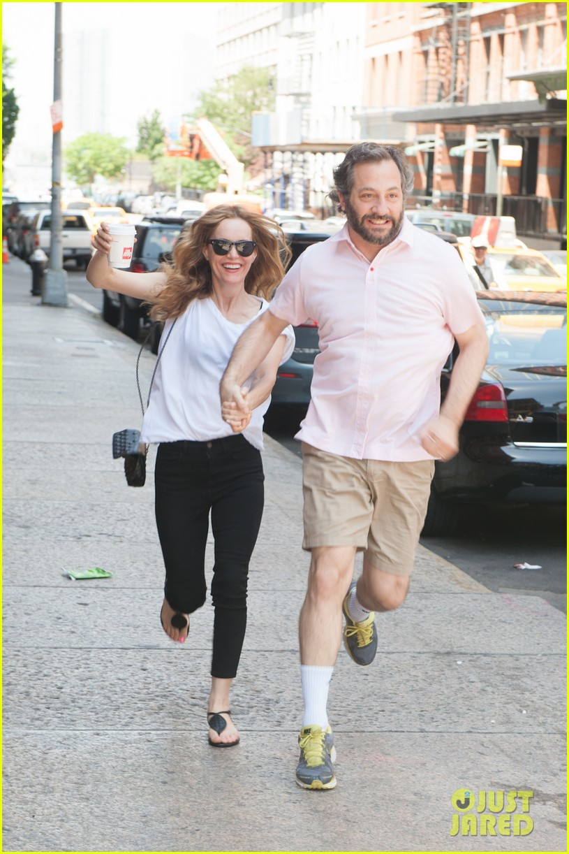leslie mann judd apatow get silly in new york city 142897441