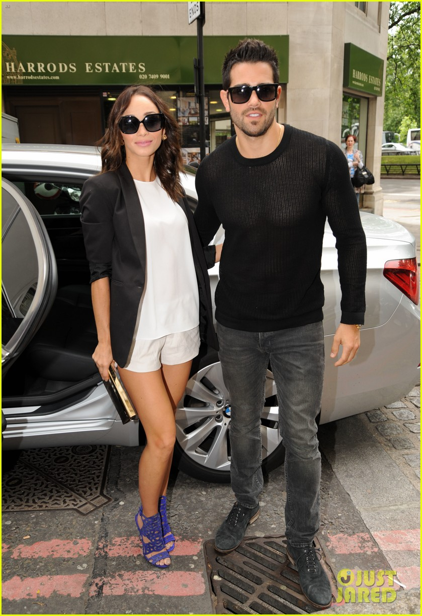 jesse metcalfe cara santana london fashion events 062893096