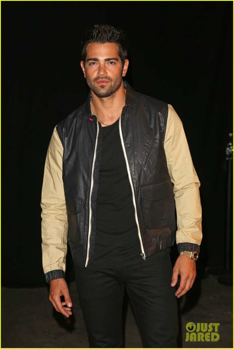 jesse metcalfe cara santana london fashion events 072893097