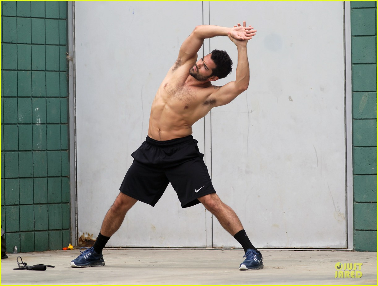 jesse metcalfe shirtless park workout 06