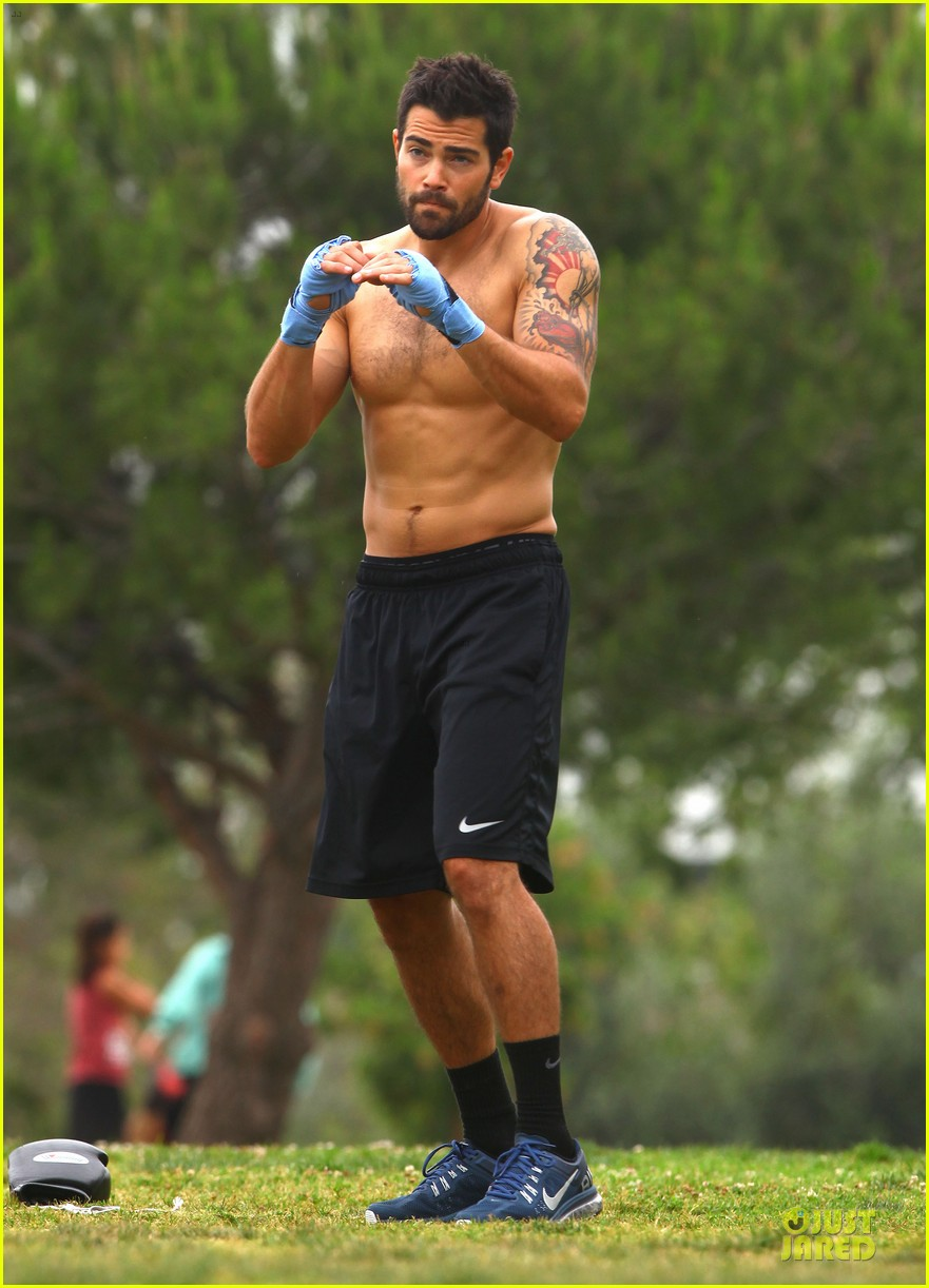 jesse metcalfe shirtless park workout 122886983