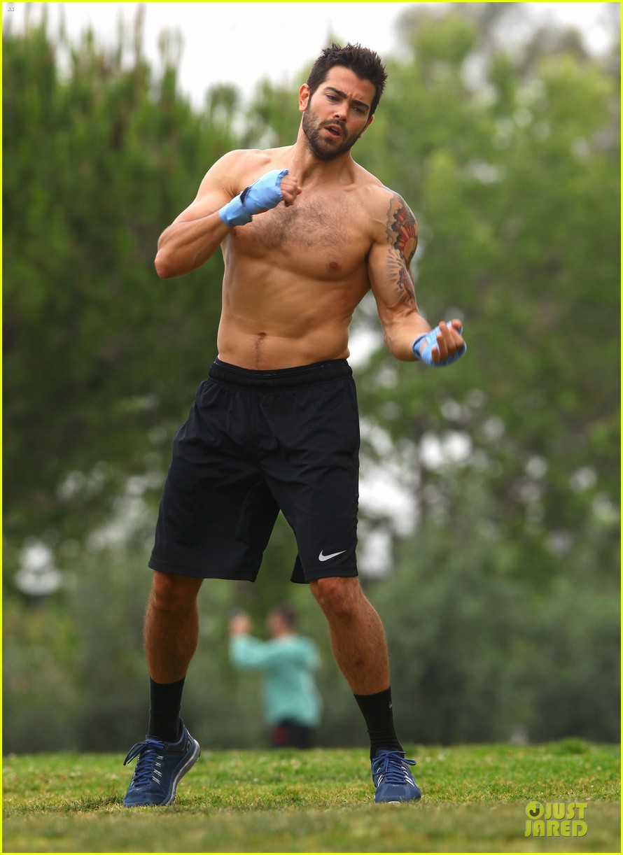 jesse metcalfe shirtless park workout 132886984