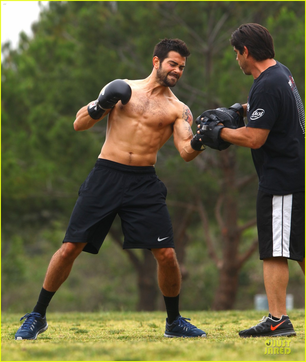 jesse metcalfe shirtless park workout 162886987