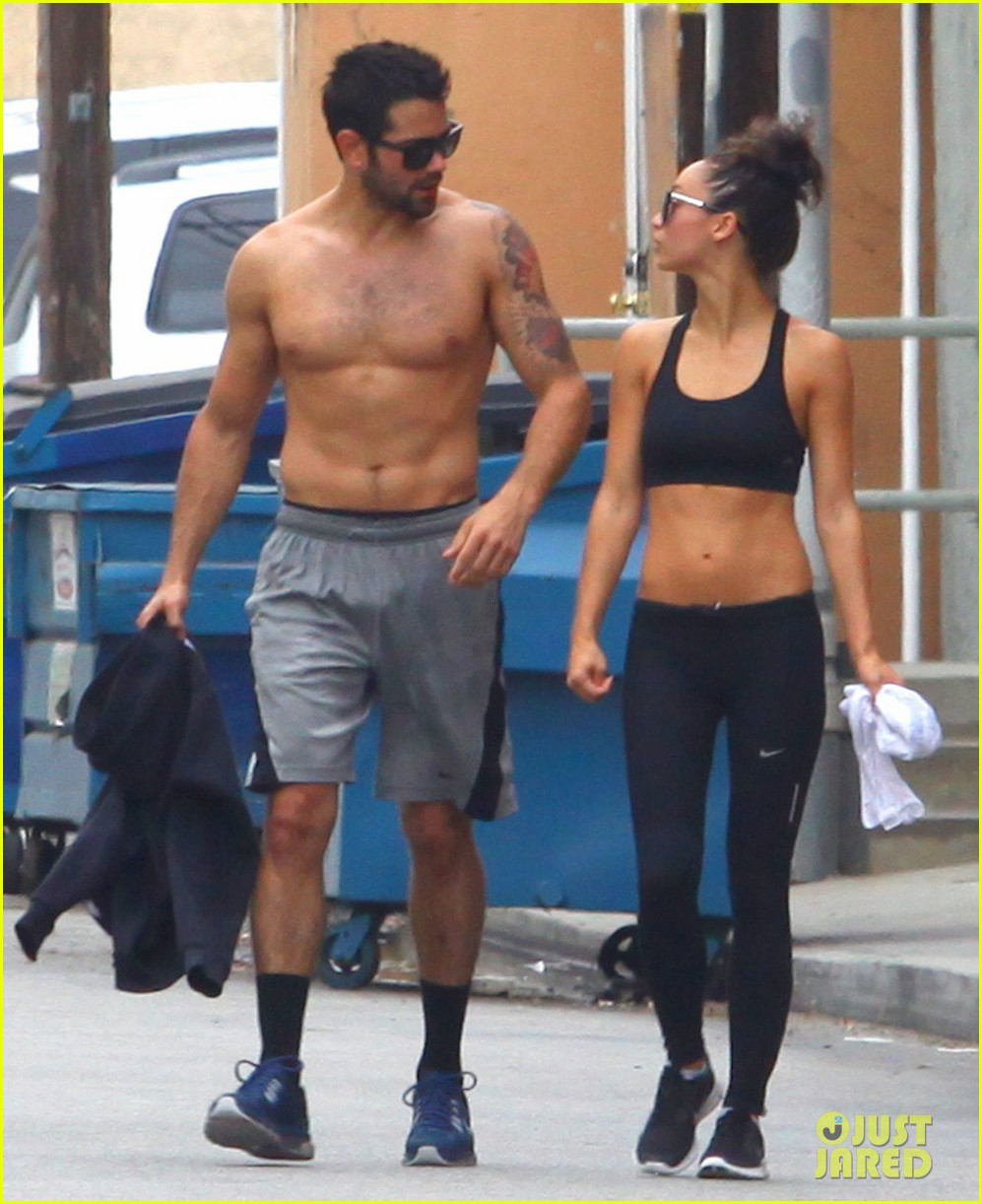 jesse metcalfe shirtless ab show after gym 122884877
