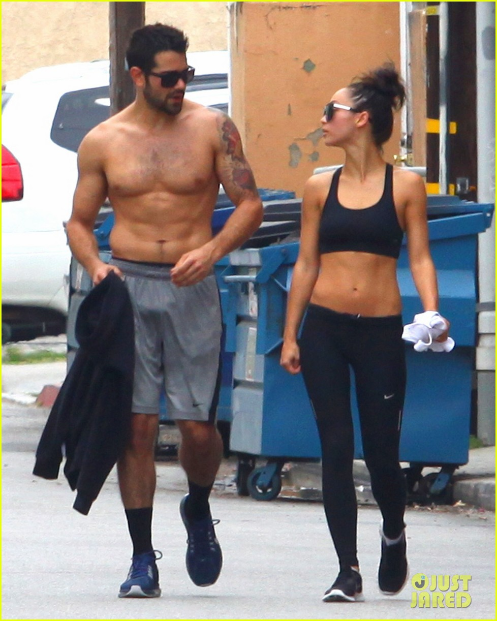 jesse metcalfe shirtless ab show after gym 142884879