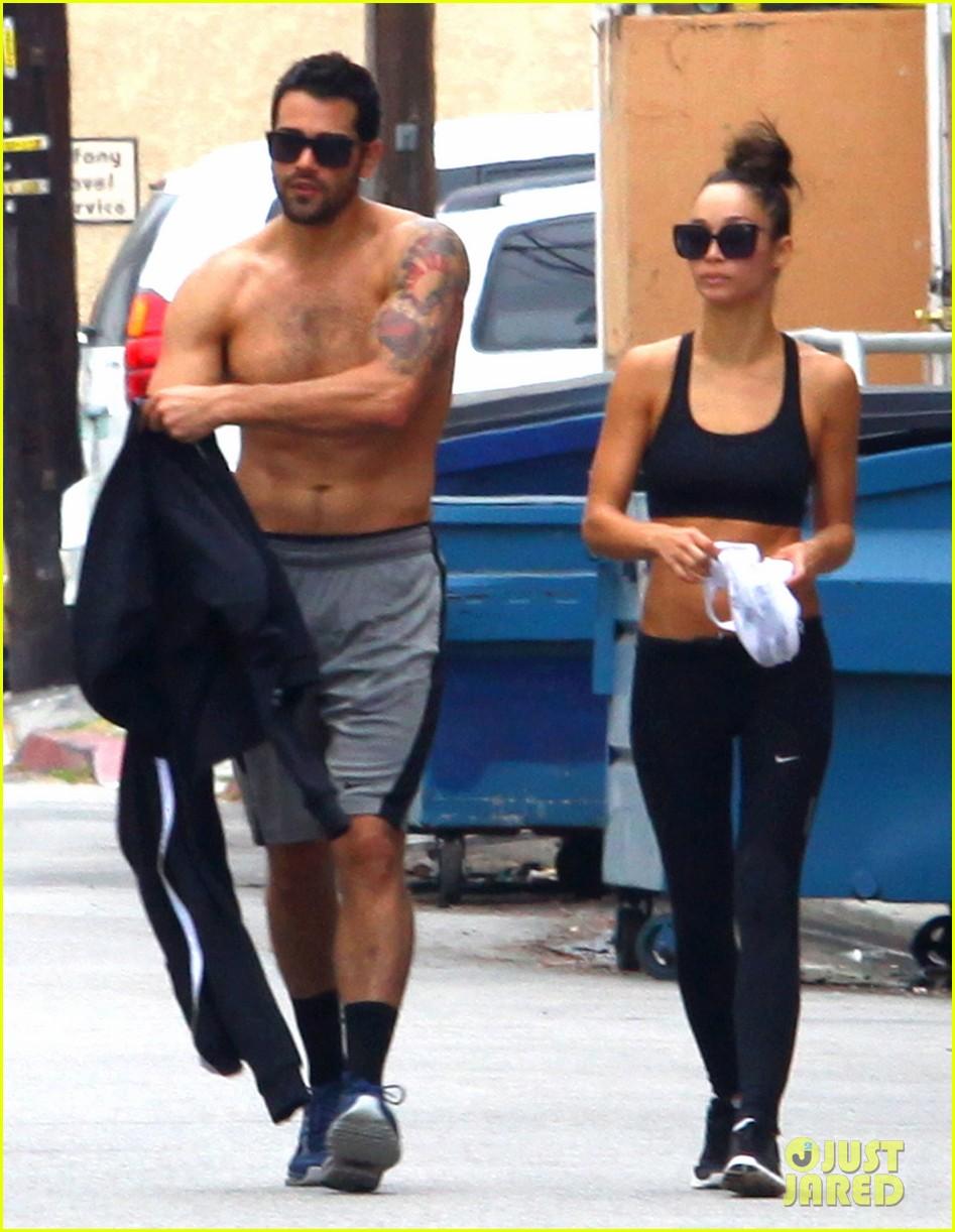 jesse metcalfe shirtless ab show after gym 152884880