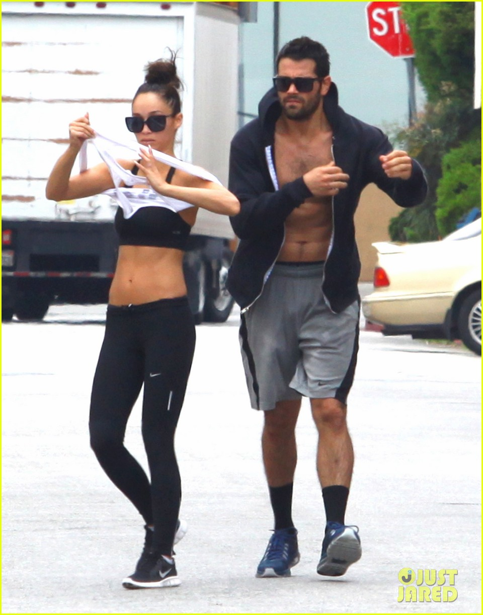 jesse metcalfe shirtless ab show after gym 192884884