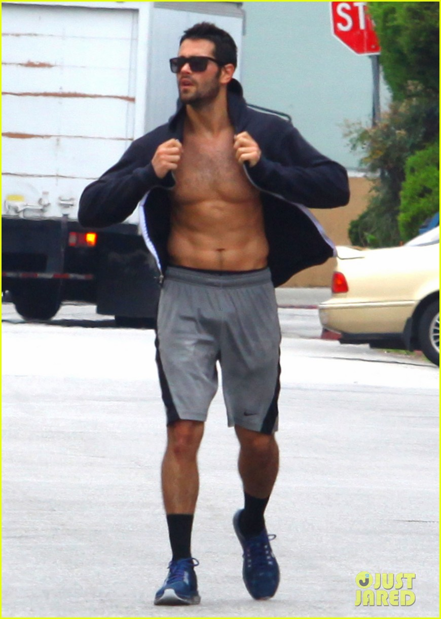 jesse metcalfe shirtless ab show after gym 202884885