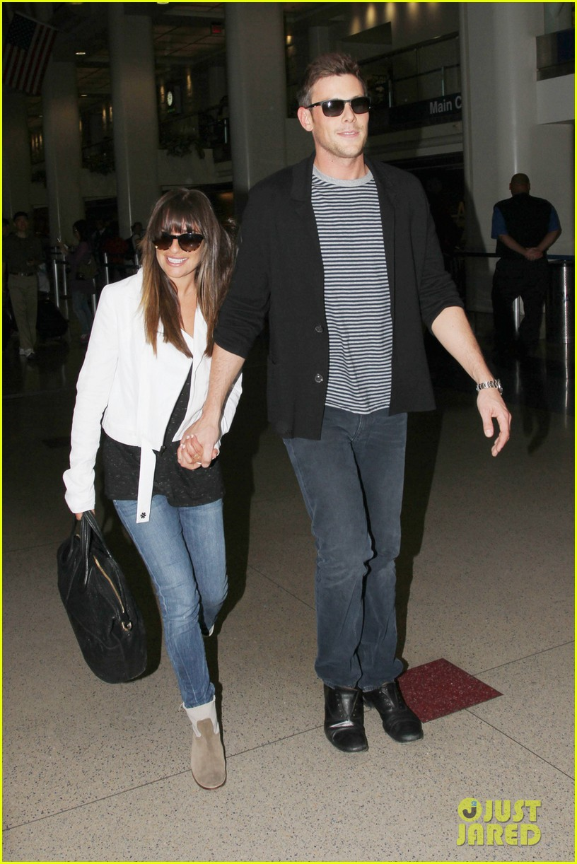 lea michele cory monteith hold hands at lax airport 05