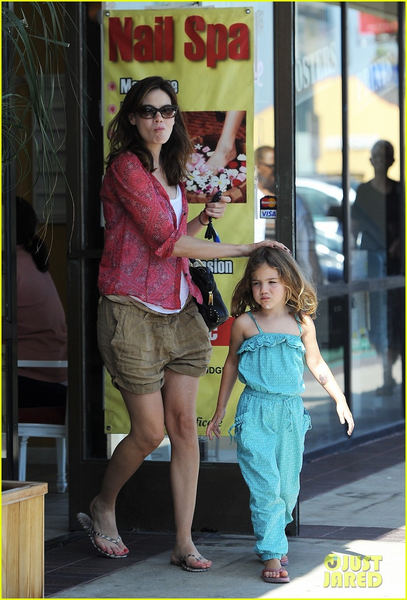 michelle monaghan visits the nail salon with willow 13