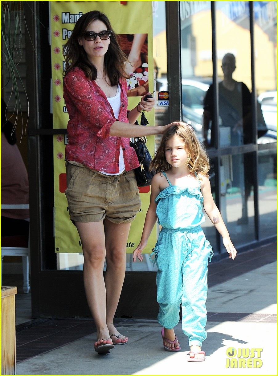 michelle monaghan visits the nail salon with willow 222896907
