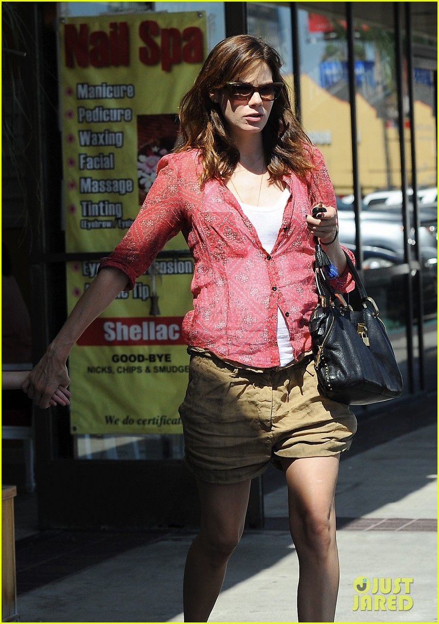 michelle monaghan visits the nail salon with willow 242896909