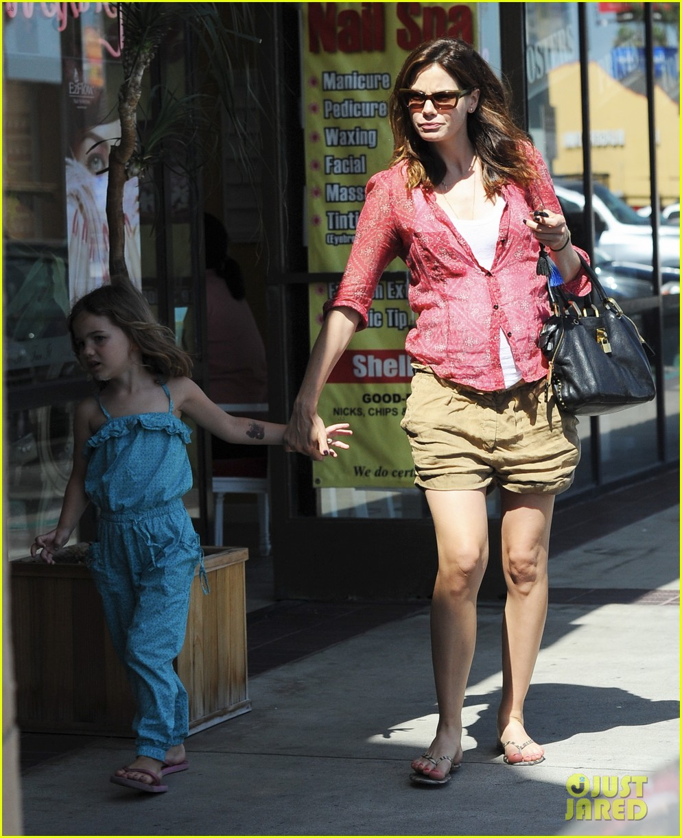 michelle monaghan visits the nail salon with willow 272896912