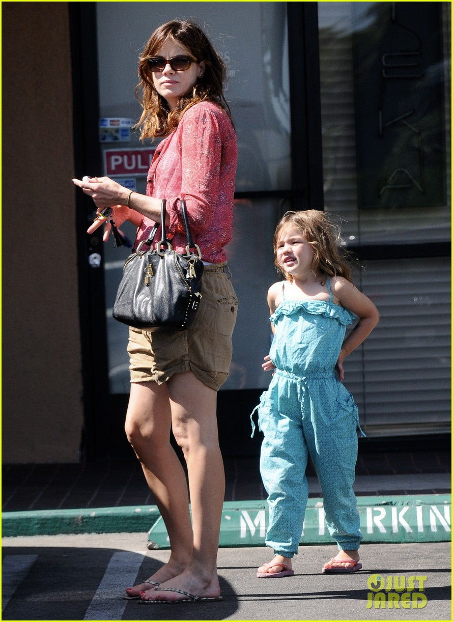 michelle monaghan visits the nail salon with willow 312896916