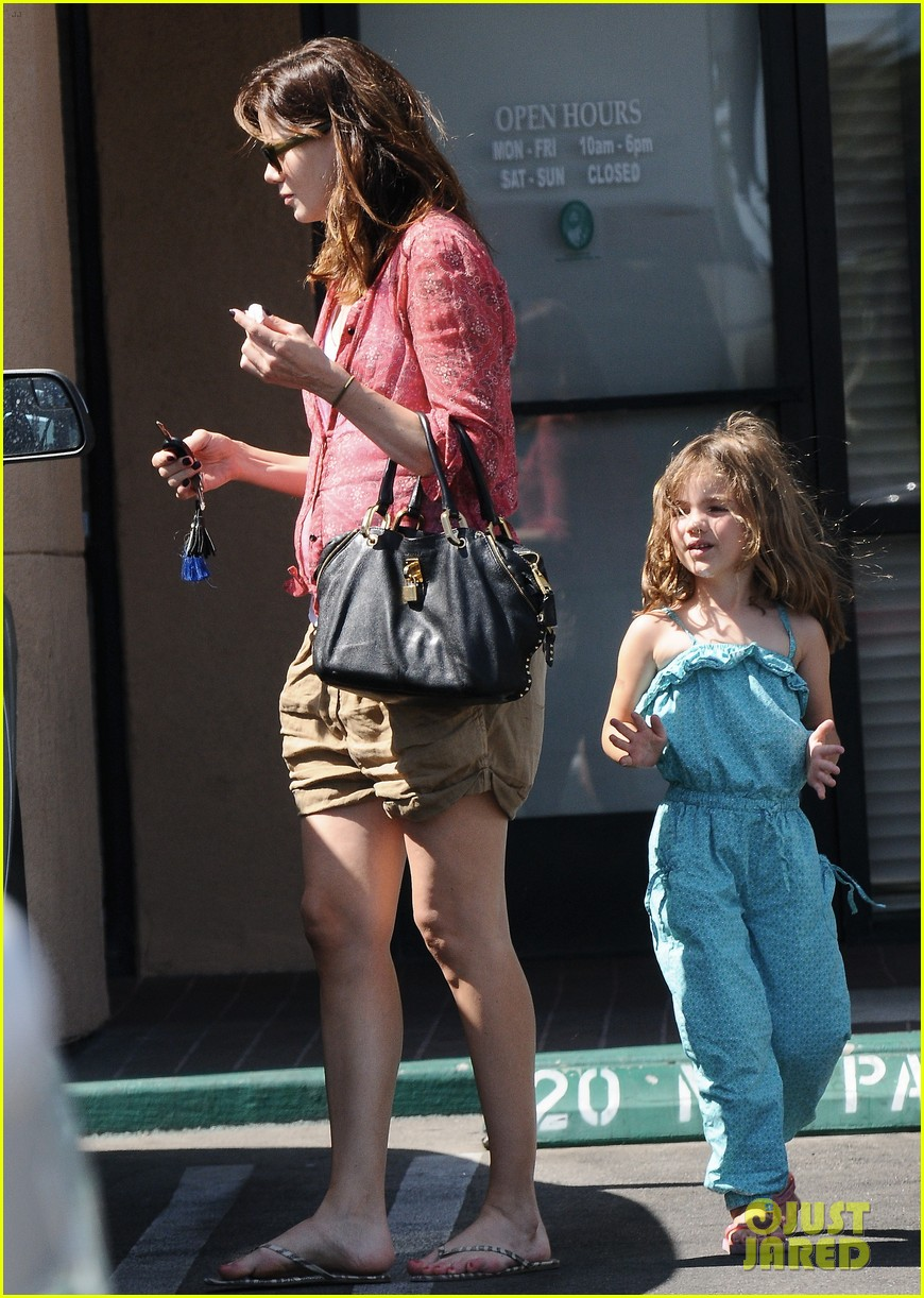 michelle monaghan visits the nail salon with willow 352896920