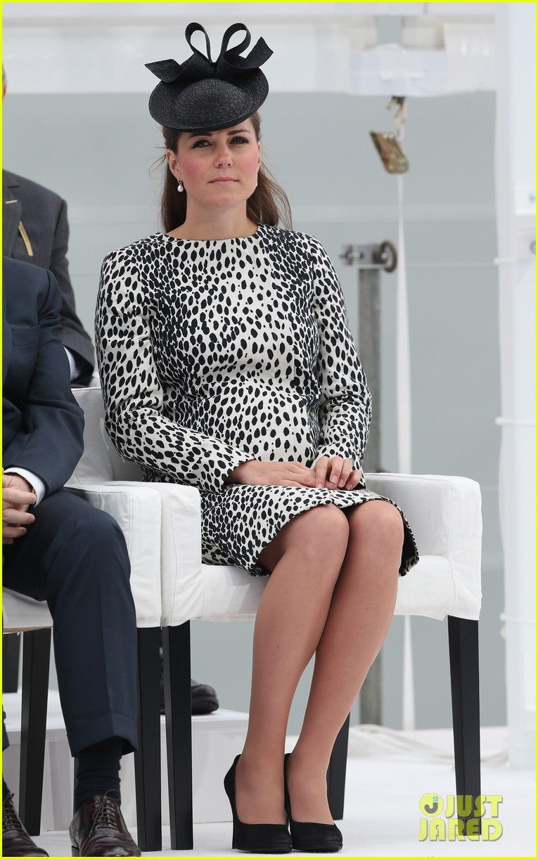 pregnant kate middleton baby bump at first ship christening 032890459