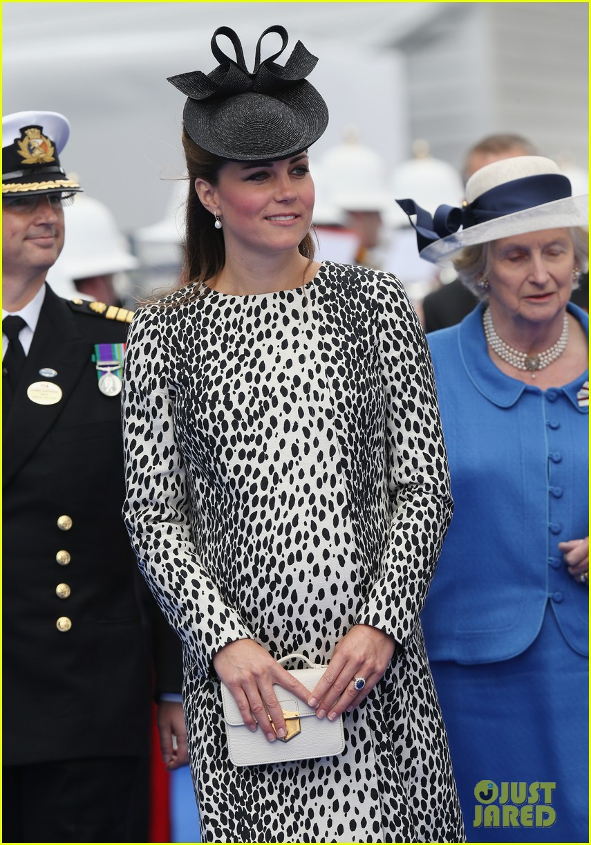 pregnant kate middleton baby bump at first ship christening 142890470