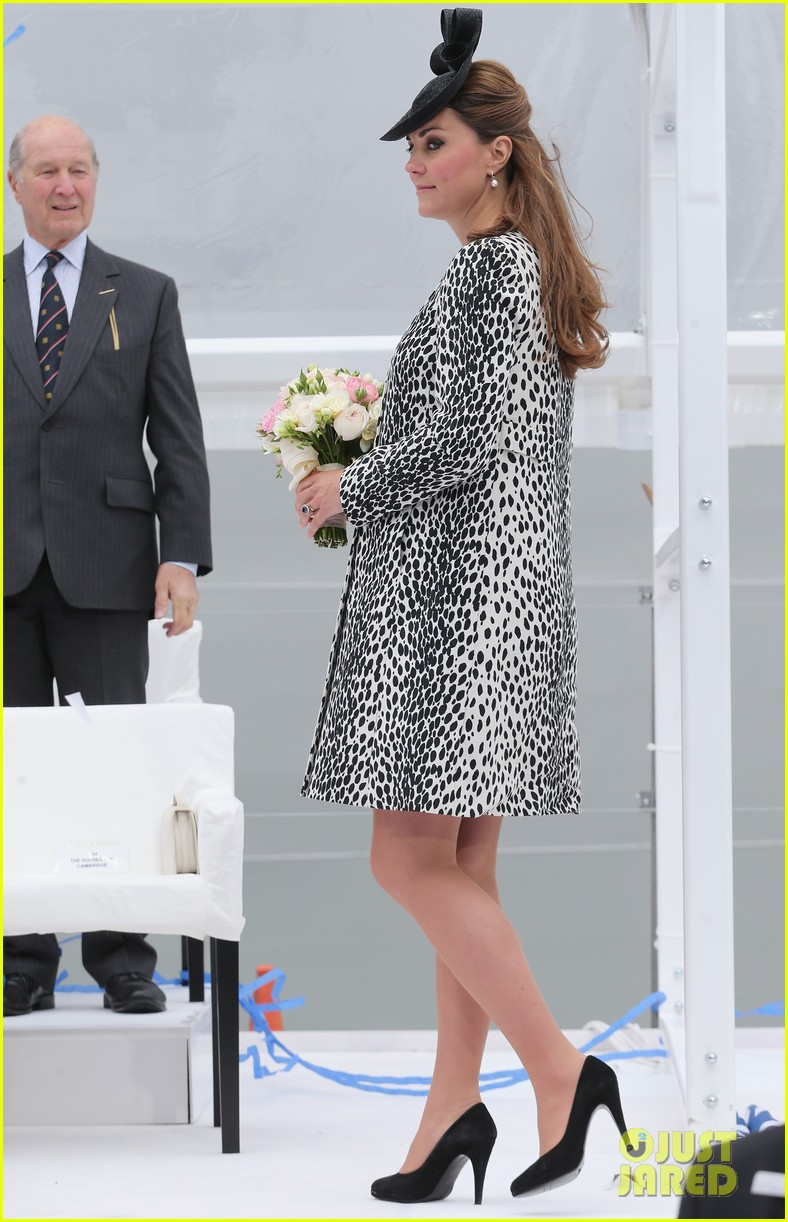 pregnant kate middleton baby bump at first ship christening 162890472