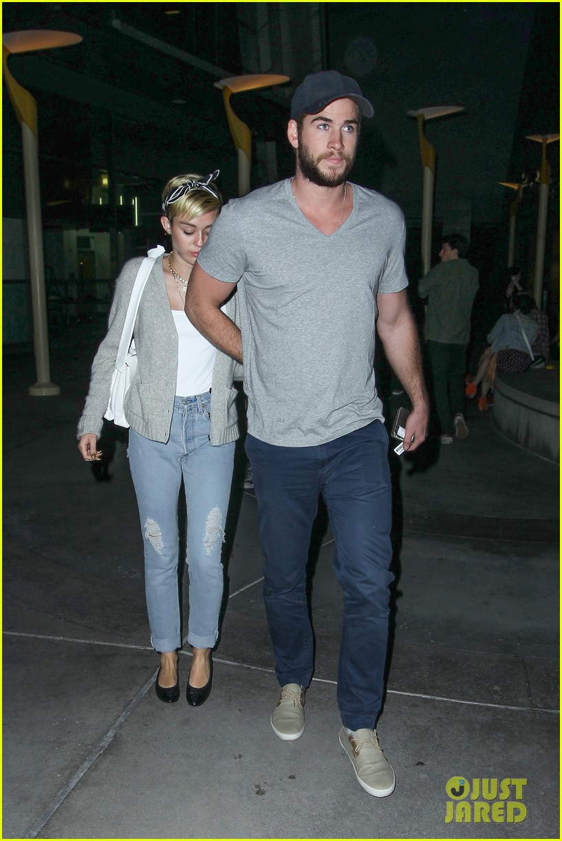 miley cyrus liam hemsworth hold hands movie date 242894569