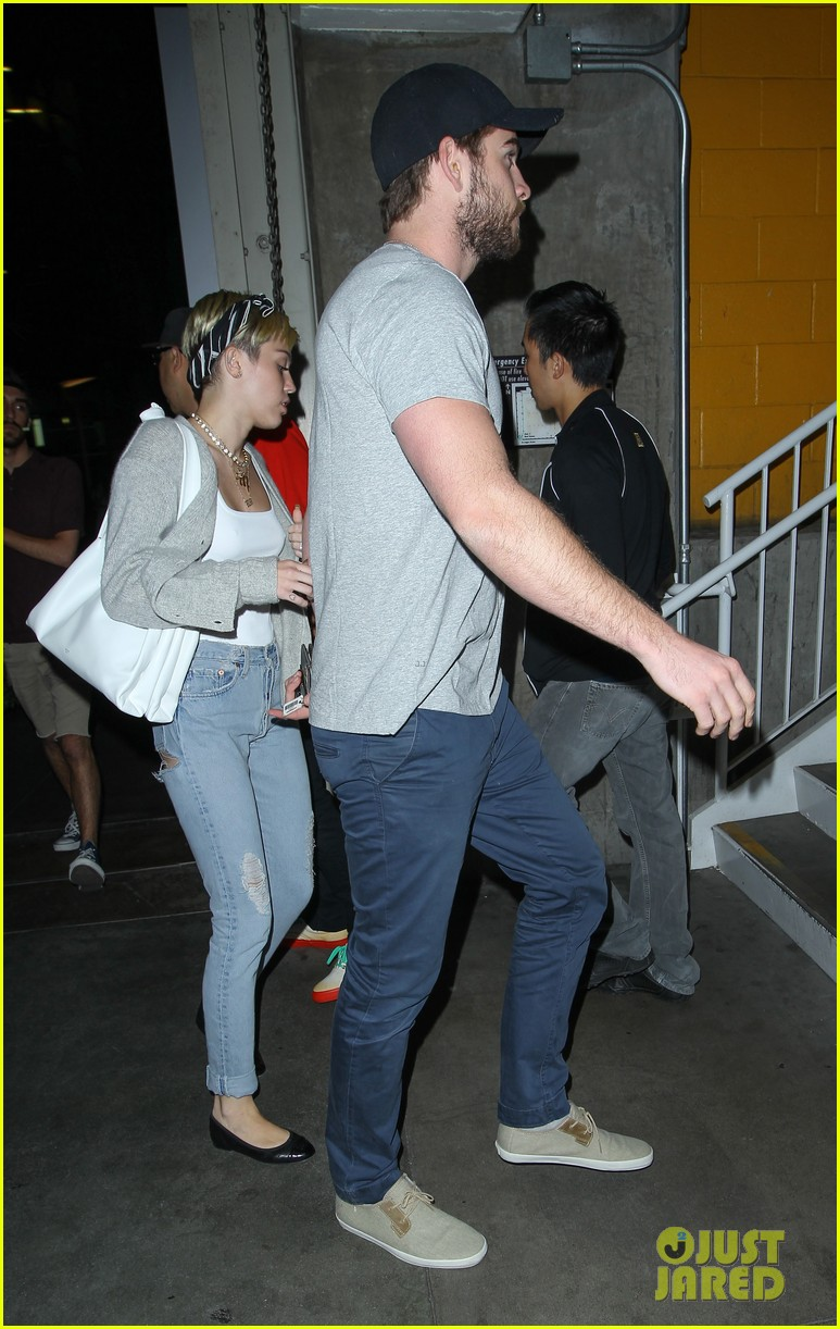 miley cyrus liam hemsworth hold hands movie date 302894575