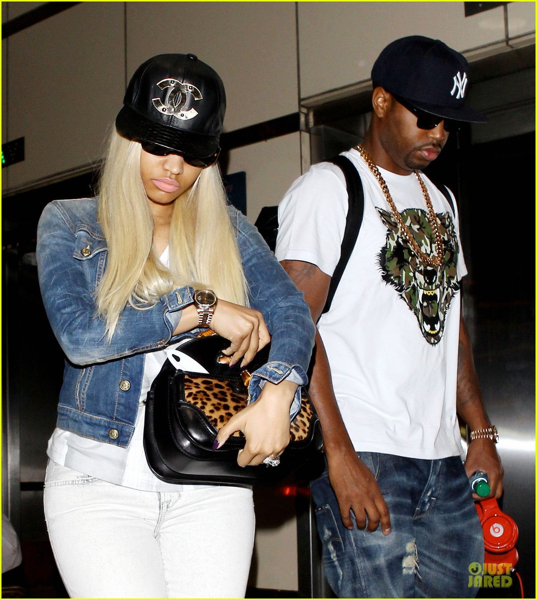 nicki minaj safaree samuels denim lax arrival 02