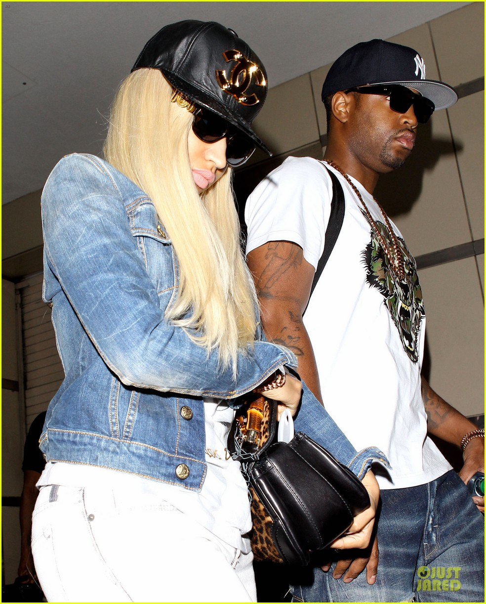 nicki minaj safaree samuels denim lax arrival 092896271