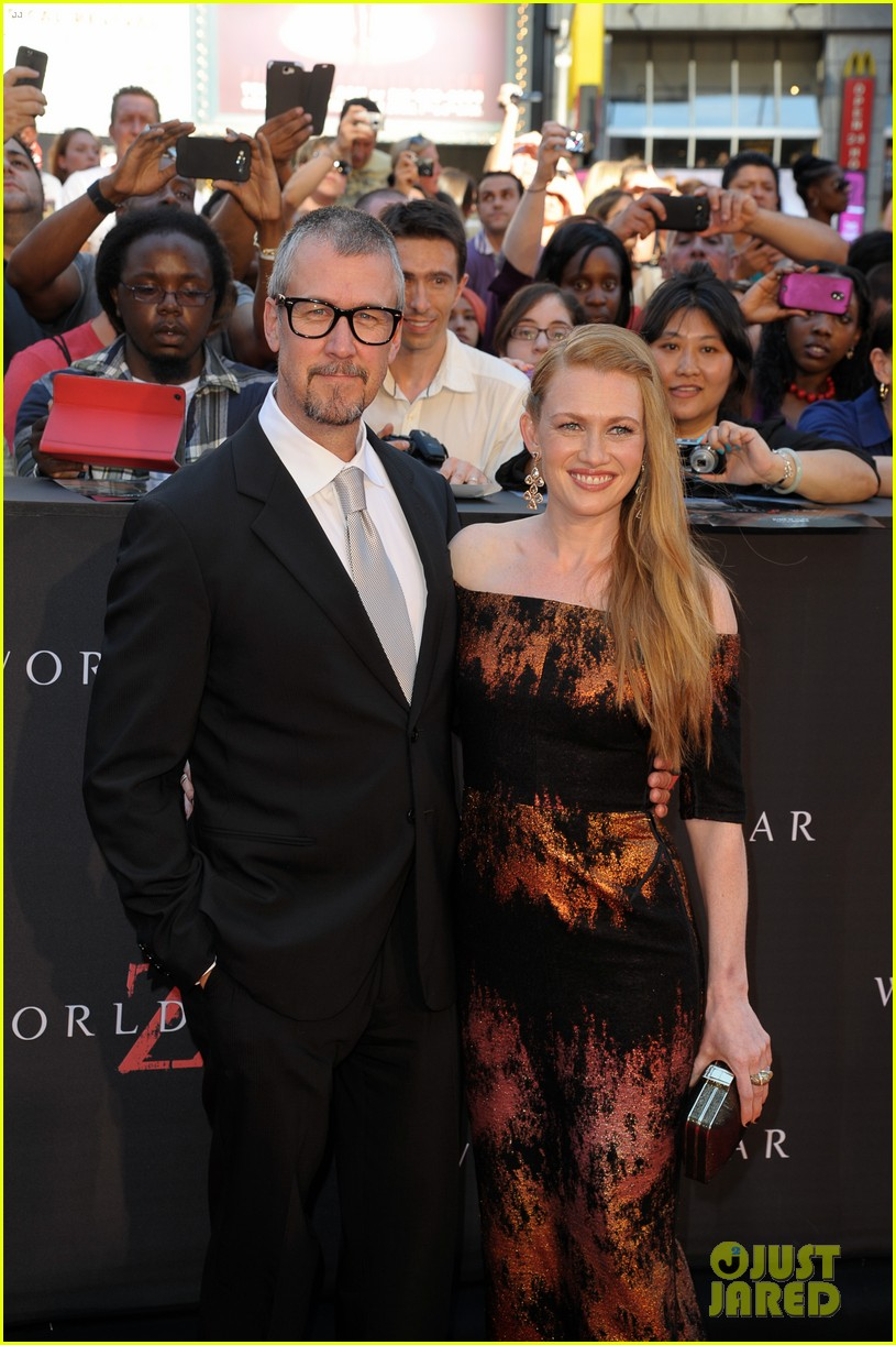 mireille enos james badge dale world war z premiere 182893230