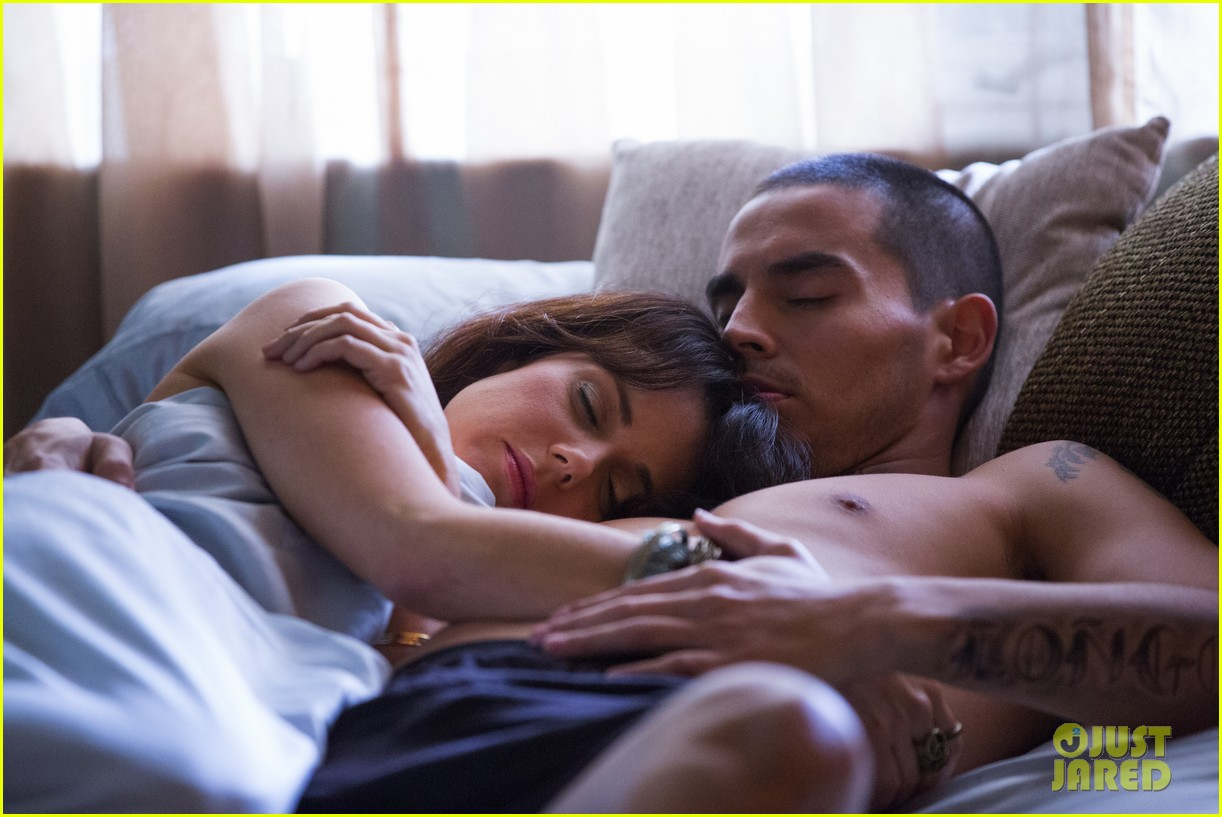 shirtless manny montana new graceland stills mia kirshner exclusive 012898711