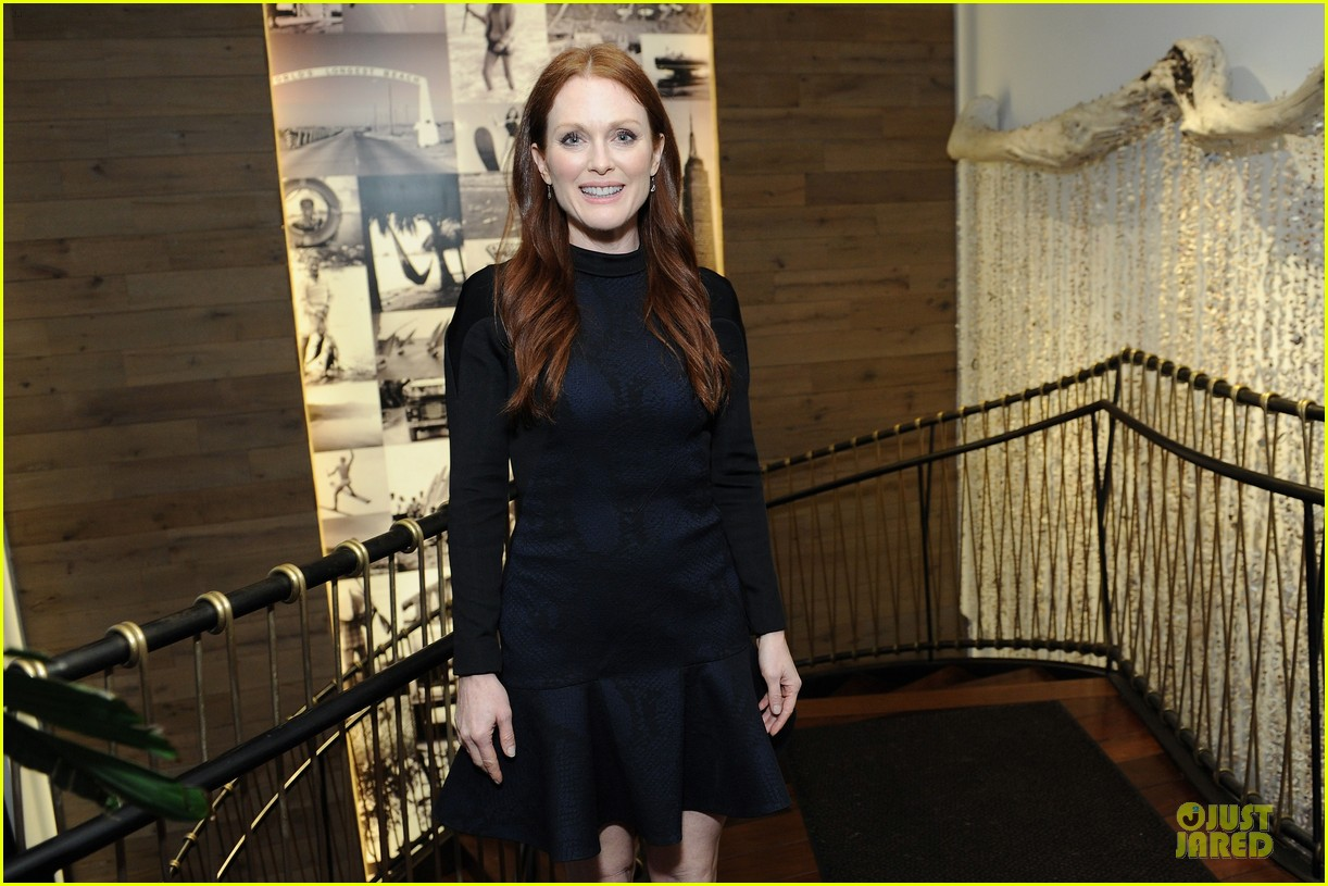 julianne moore dujour magazine summer issue cover party 042888645
