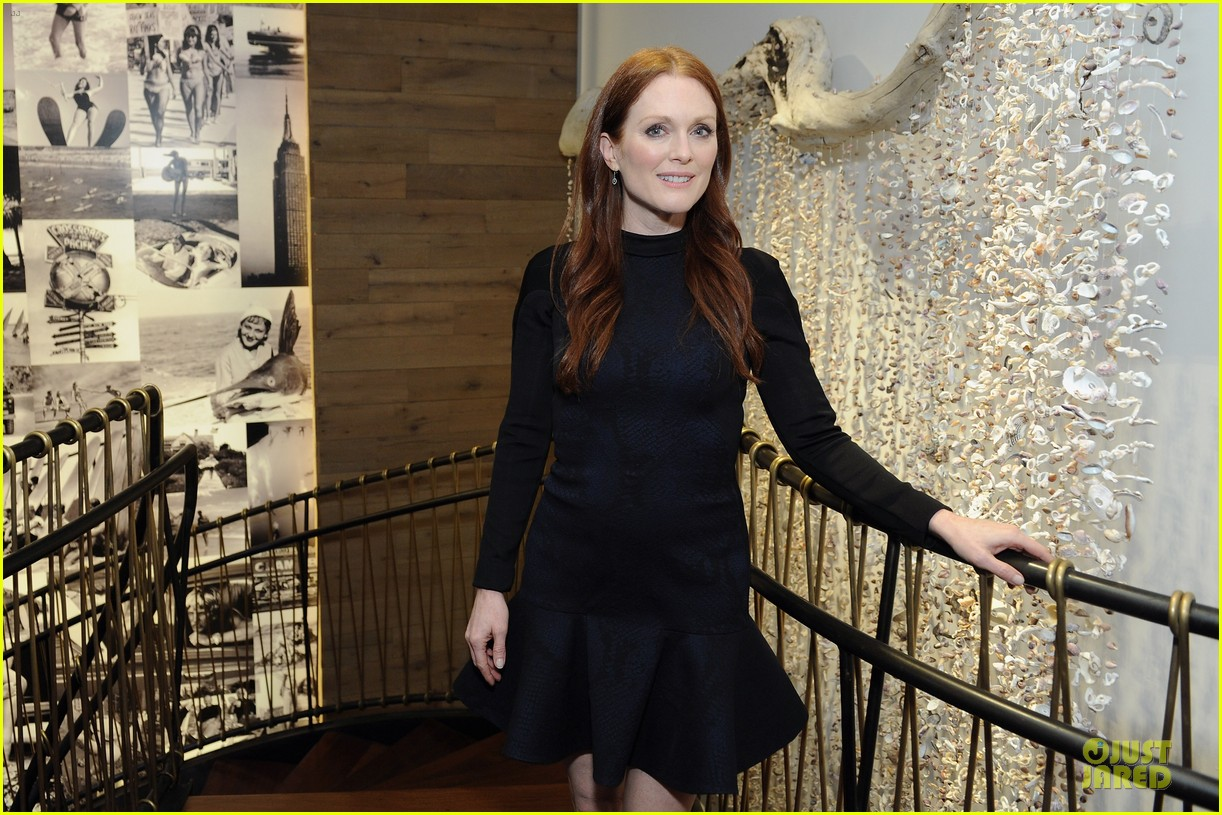 julianne moore dujour magazine summer issue cover party 18