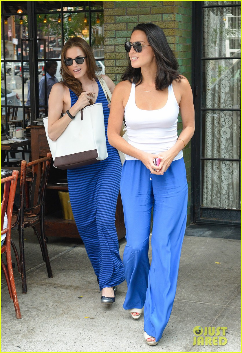olivia munn allison williams ladies who lunch 012899715