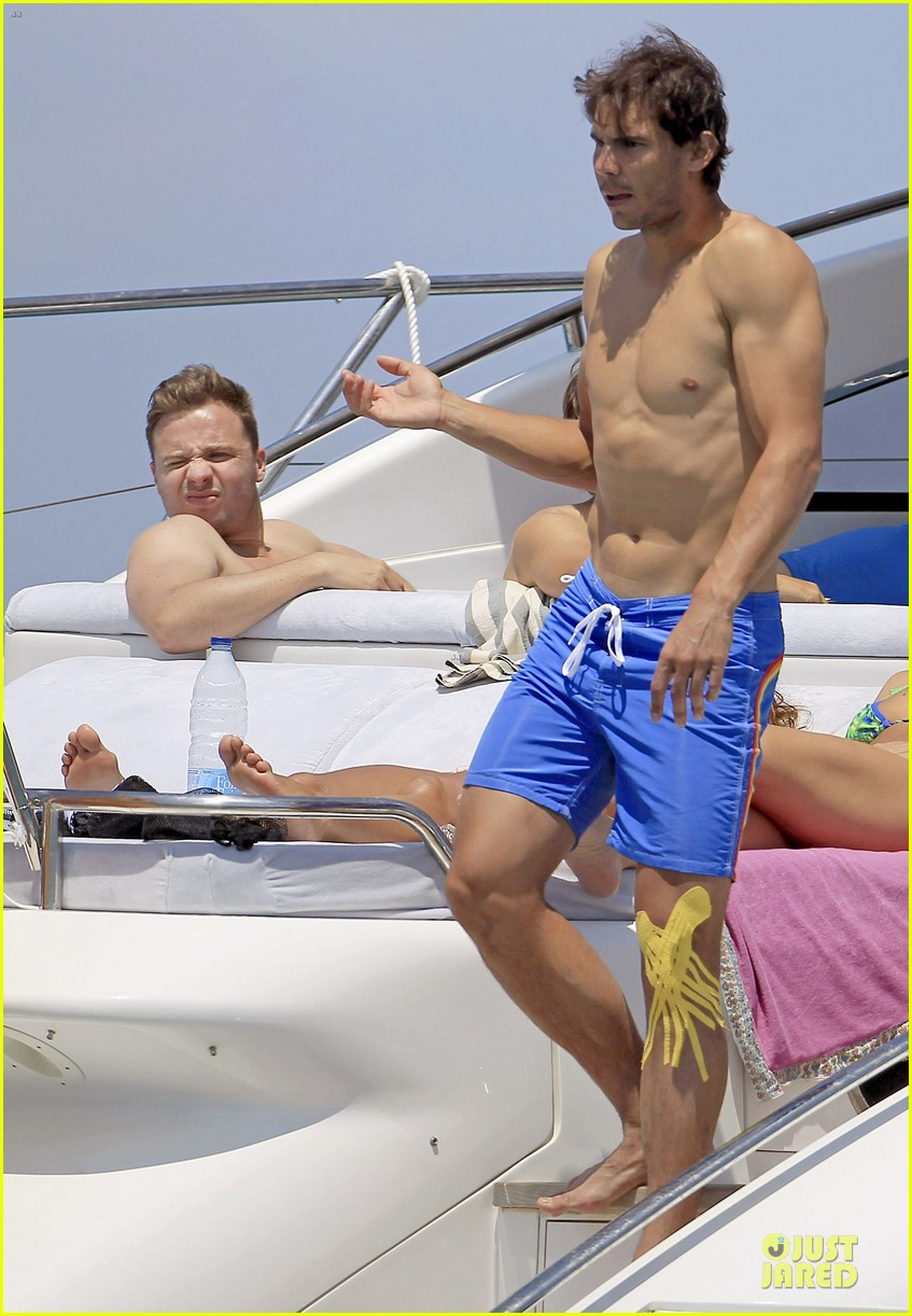 rafael nadal shirtless ibiza vacation with maria francisca perello 21