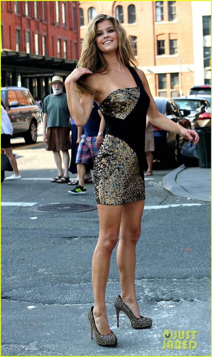 nina agdal photoshoot beauty in new york city 052895769