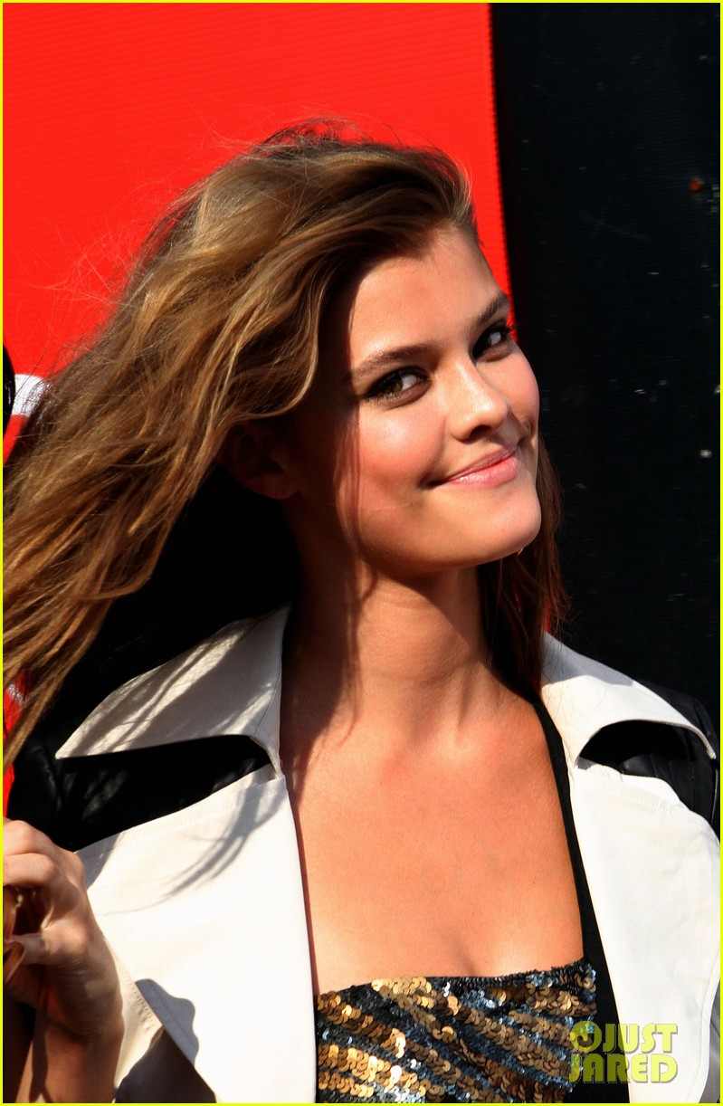 nina agdal photoshoot beauty in new york city 112895775