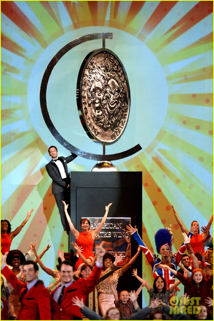 neil patrick harris tony awards opneing number watch now 012887940