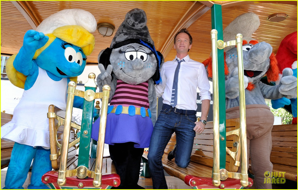 neil patrick harris global smurfs day celebration 032896348
