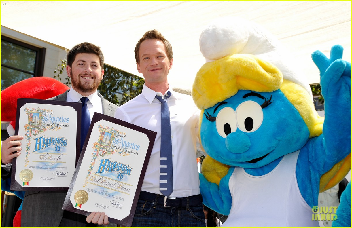 neil patrick harris global smurfs day celebration 072896352