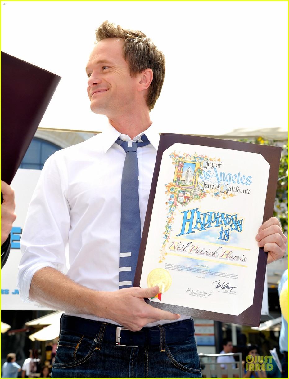 neil patrick harris global smurfs day celebration 162896361