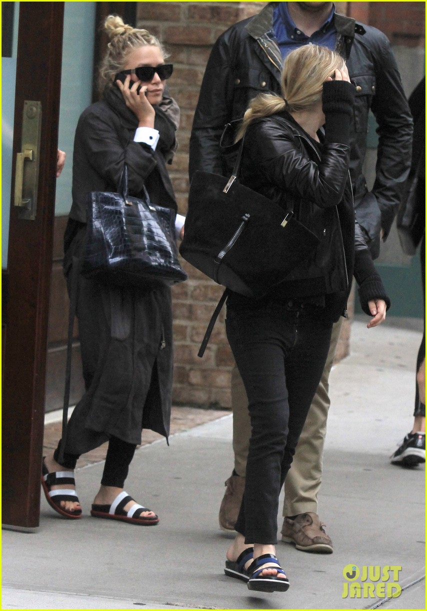 mary kate ashley olsen step out on 27th birthday 01