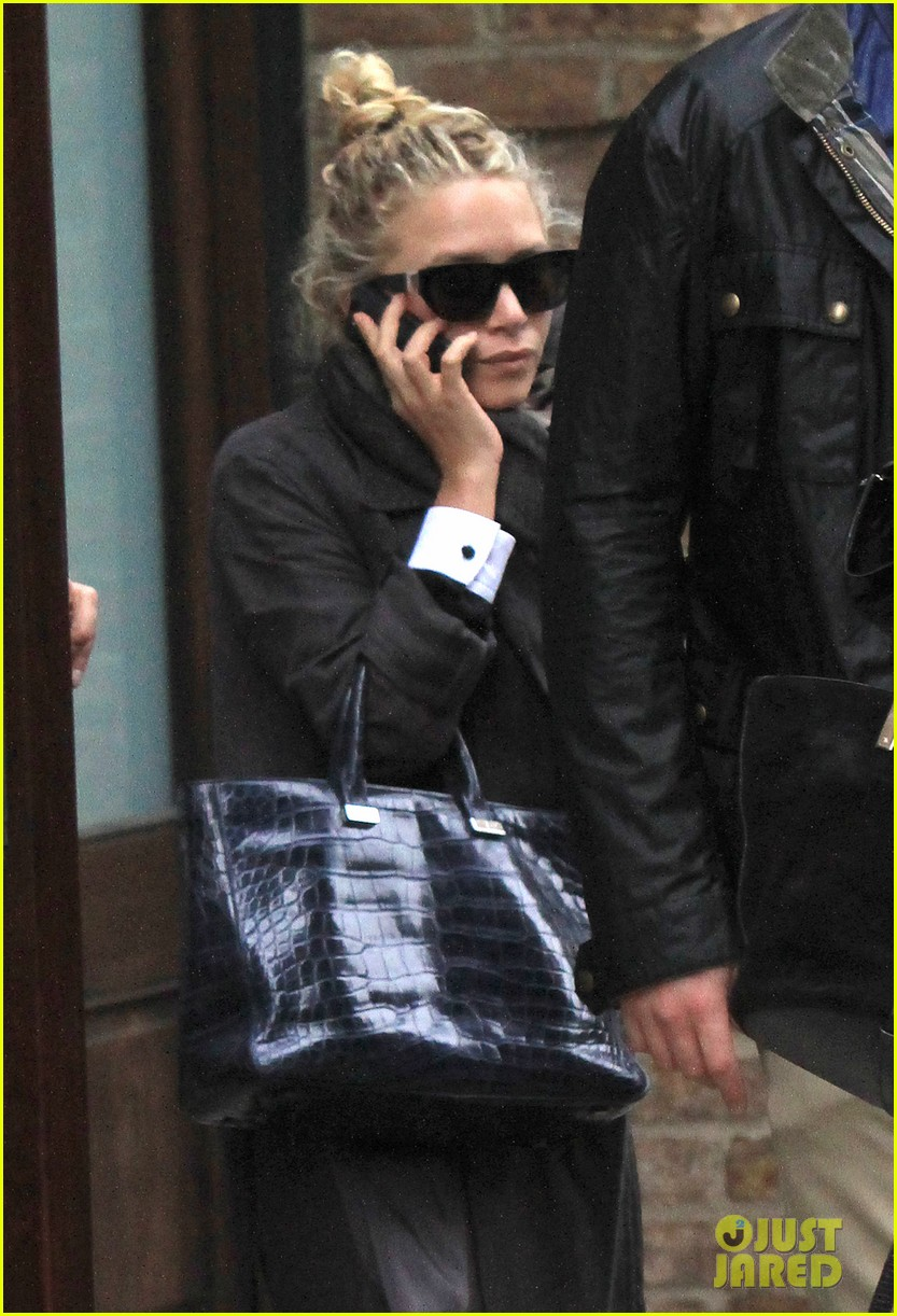 mary kate ashley olsen step out on 27th birthday 022890706