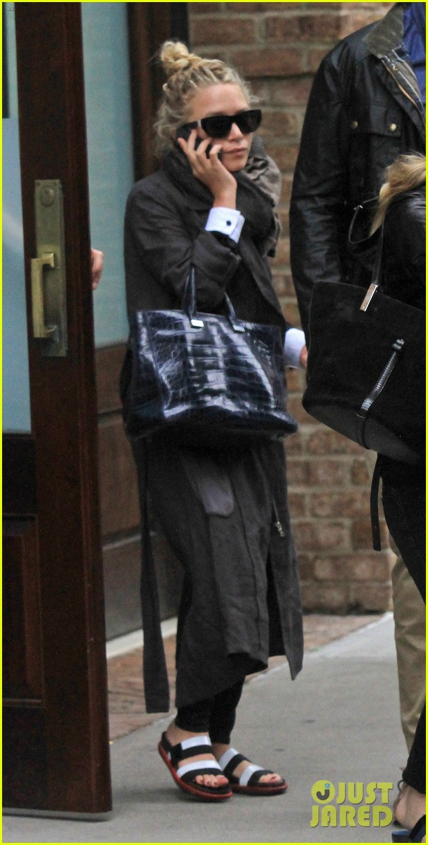 mary kate ashley olsen step out on 27th birthday 142890718