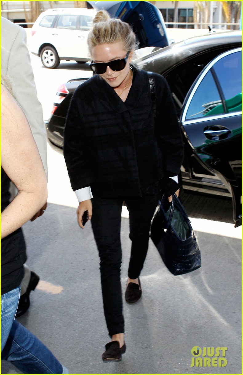 mary kate ashley olsen separate lax departures 072896710