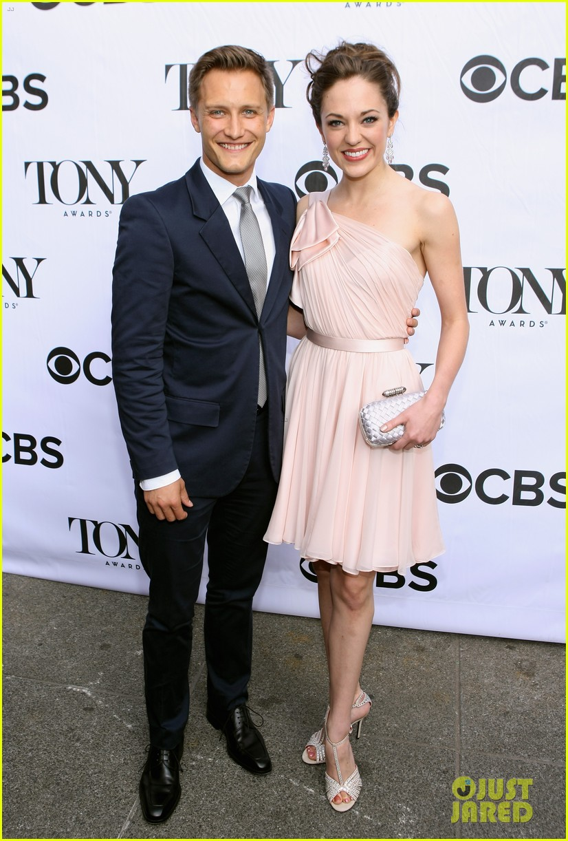 laura osnes debra messing tony awards cocktail party 152887174