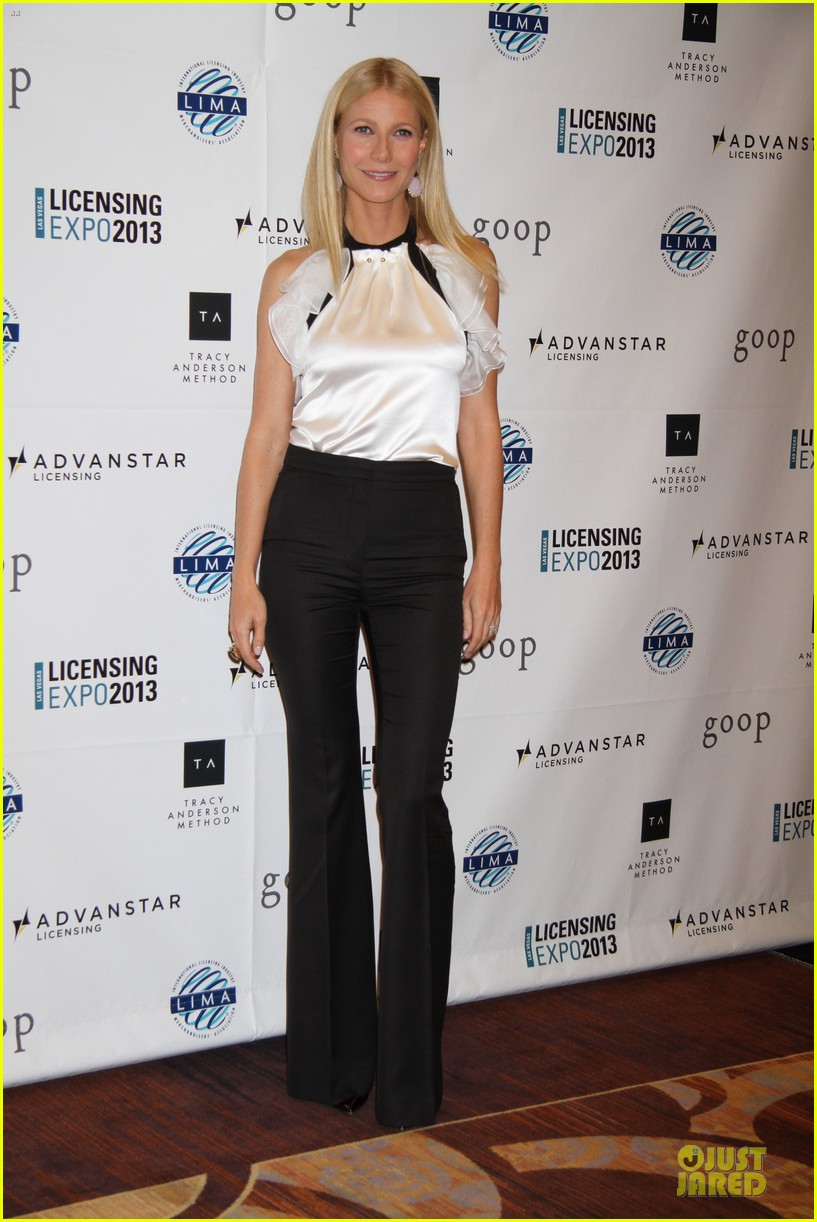 gwyneth paltrow licensing expo with tracy anderson 032893932